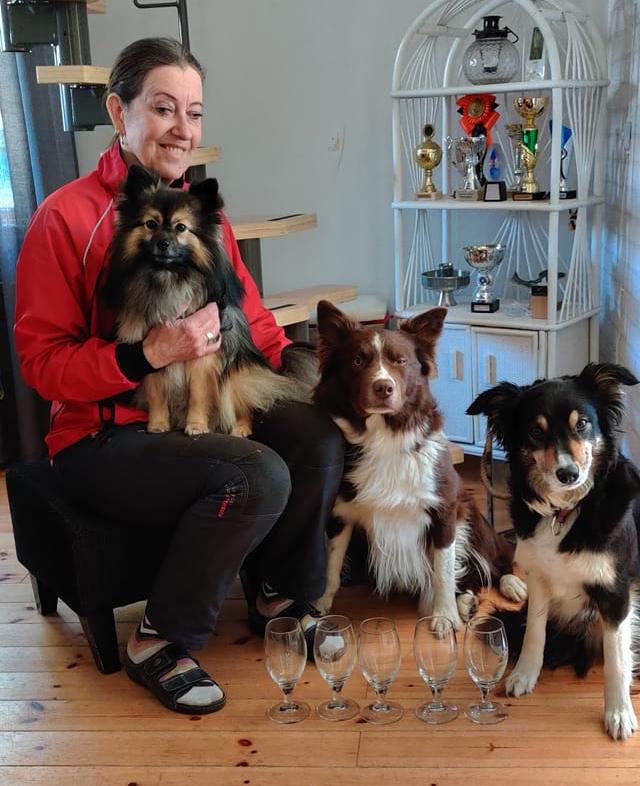 Marita Neteborn med hundarna bruks uppflyttningar 2020